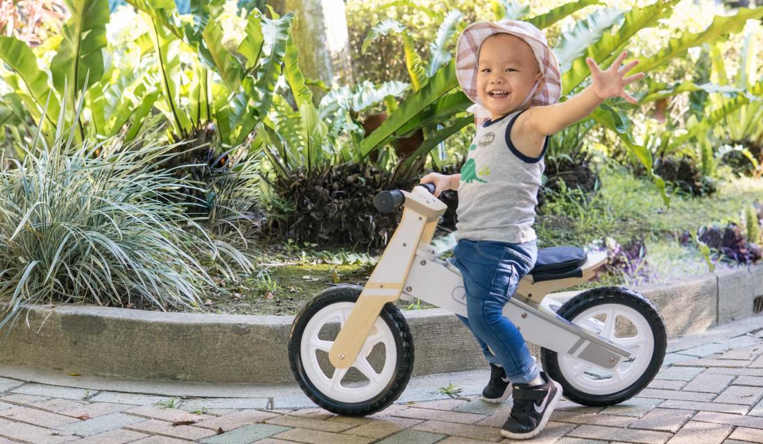 德國HAPE木製滑步車 訓練肌肉協調性與肌力 | 小豆苗精選玩具