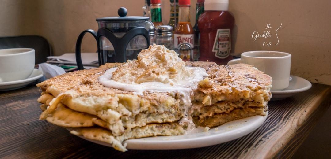 洛杉磯美食 The Griddle Cafe | 巨無霸美味鬆餅吃一餐抵三餐 人氣排隊名店