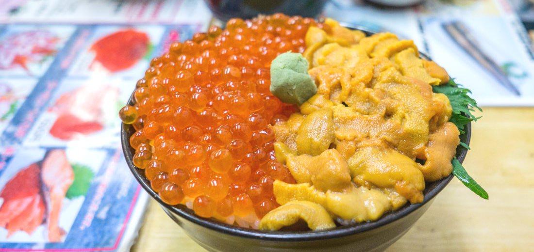 小樽三角市場 | 滝波食堂 | 滿滿鮮甜海膽的海鮮丼 試吃毛蟹好過癮!