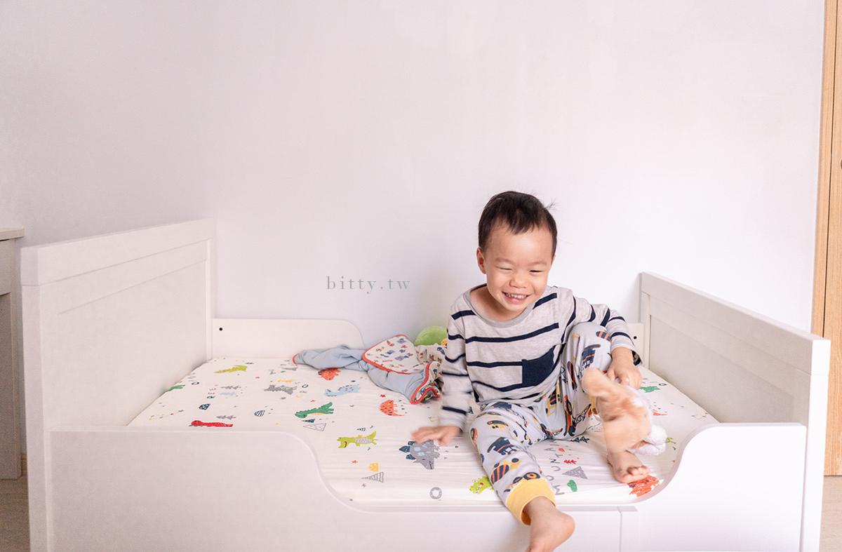 IKEA兒童床和可愛淘寶床單 | 打造療癒的寶寶專屬小床